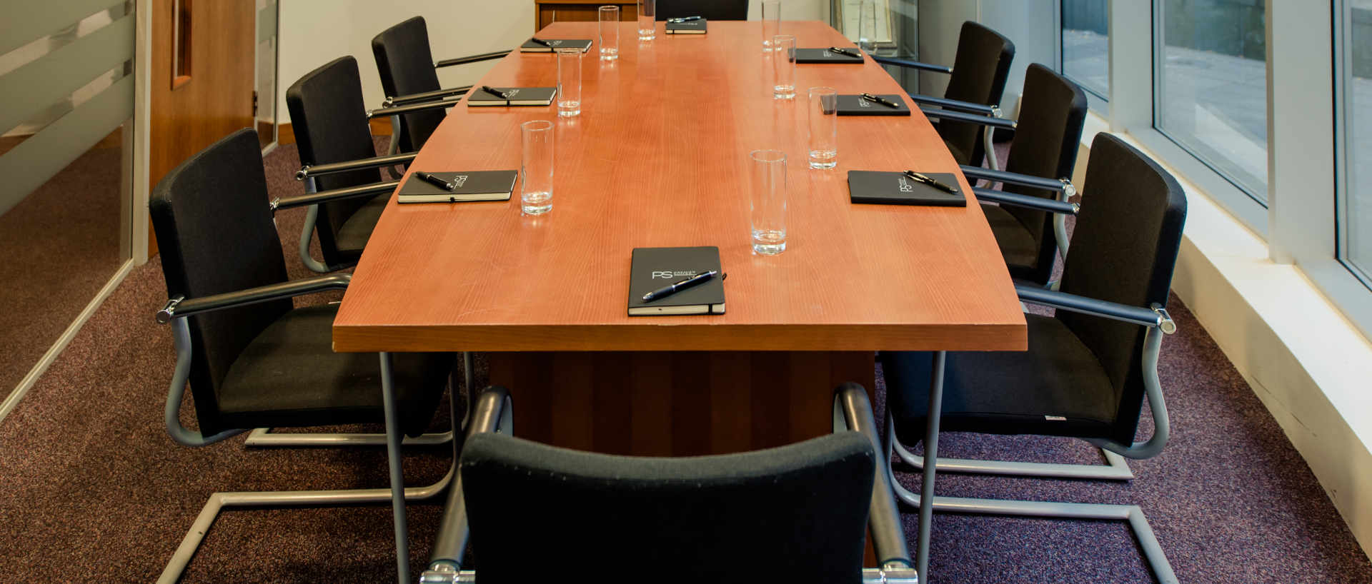 PREMIER SUITES PLUS Liverpool conference room